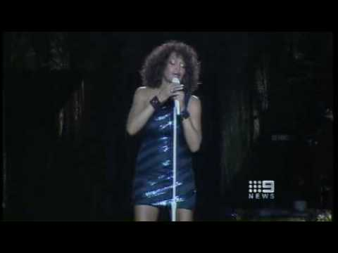 Whitney Houston Australia Brisbane Concert  Angers Fans 22/02/2010 Huge Disappointment