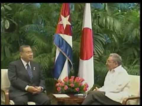 Recibe Raúl Castro a exprimer Ministro de Japón Yoshiro Mori