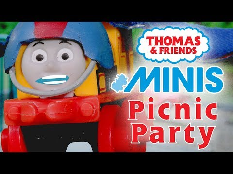 Hilarious Picnic Party with MINIS | Playing around with Thomas & Friends | Thomas & Friends