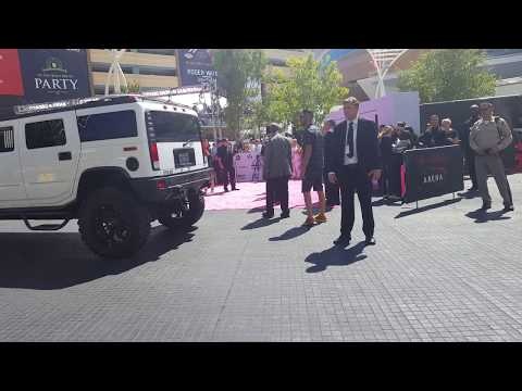 [FANCAM] BTS arriving at the Billboard Music Awards Magenta Carpet~