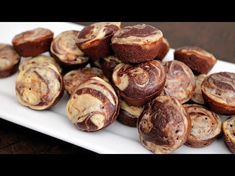 Skinny Cheesecake Swirl Brownie Muffins