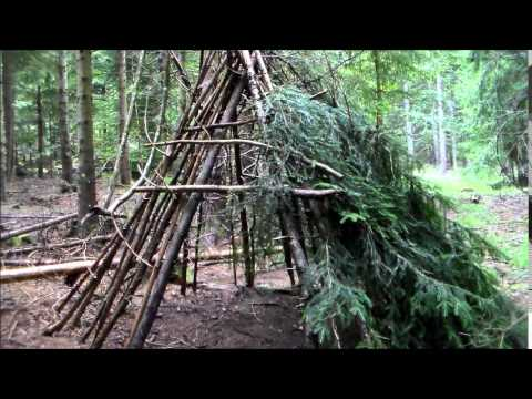 bushcraft construire un abri naturel youtube. Black Bedroom Furniture Sets. Home Design Ideas