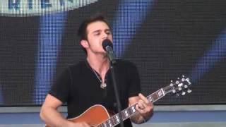 "American Idol Kris Allen sings ""Heartless"" at Disney World"
