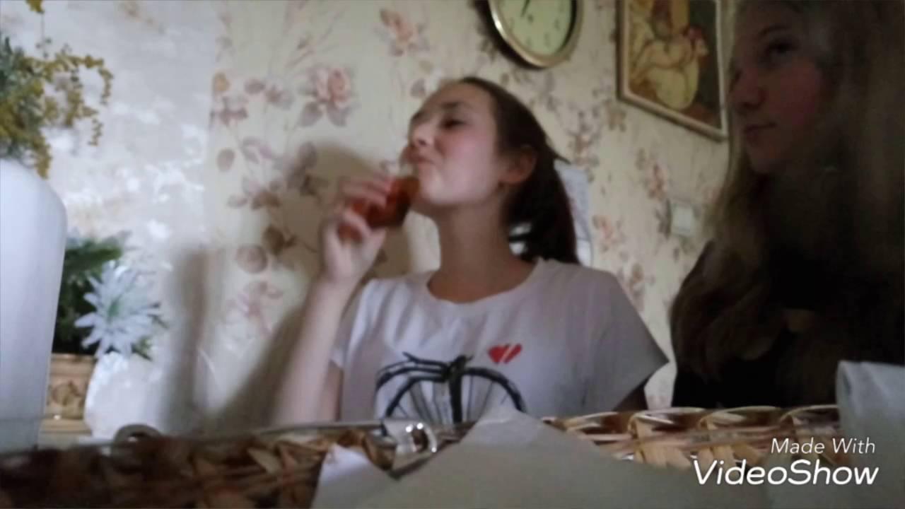 Парень и девушка остались одни дома видео фото 690-942