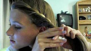 6c32c206fb9dc3 Easy ways to get your bangs out of your face!