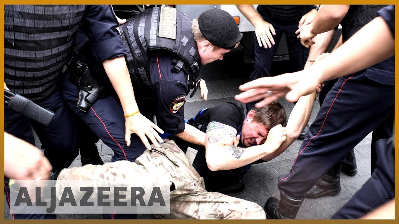 AlJazeera English:Hundreds arrested at Moscow protest over Ivan Golunov's arrest