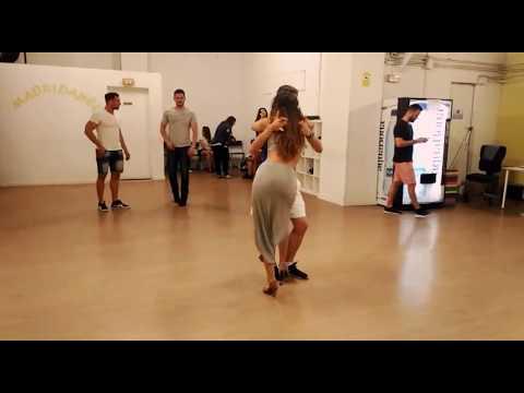 Clases de BACHATA en MADRIDANCE con Jorge y Mónica - www.madrid-dance.com