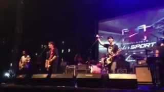 Download lagu Pee Wee Gaskins - Dari Mata Sang Garuda (live at gudang garam sport muara karang)