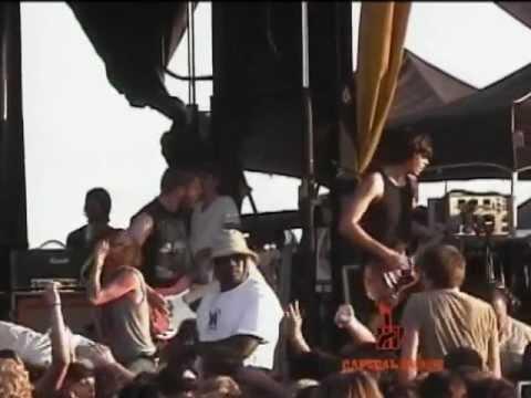 UNDEROATH @ Warped Tour 2005 CAPITALCHAOSTV.COM