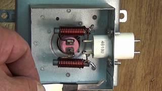видео Принцип работы микроволновой печи и ее устройство