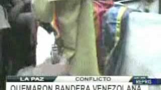 Quemaron Bandera de Venezuela en Bolivia durante Gasolinazo