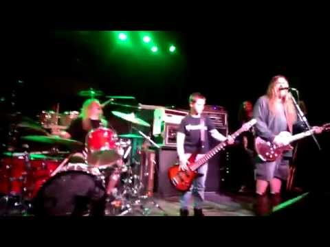 me playing bass with corrosion of conformity blind