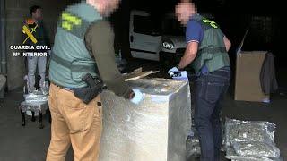 Incautación de marihuana por la Guardia Civil en un polígono industrial de Carreño
