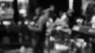 Groovy (Lyric Video) - Avanti Luz