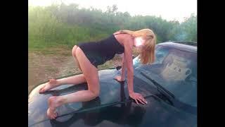 Фото голой девушки на капоте BMW обошлось водителю из Костаная штрафом