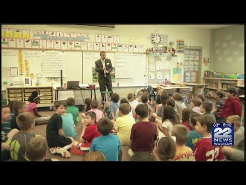 22News Meteorologist Adam Strzempko visits Munger Hill Elementary School