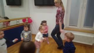 """Мини садик """"Дети-Initio"""", музыкальная зарядка, 23 января 2017"""