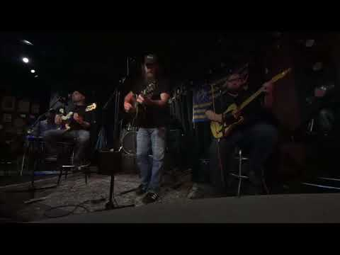 Randy Kohrs Mike Bourque Tyler Hall picking at music city bar
