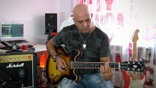 BECOS CompIQ MINI Pro Compressor Pedal - Nicu Patoi - Gibson ES Guitar