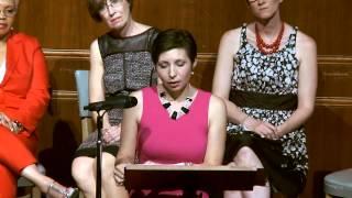 Jauna transseksualų mergina suteikia nuostabiai palaikančią kalbą