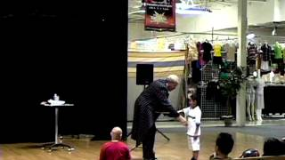 Michael Aslan Magician Shopping Centers and Malls Demo With Contact Information