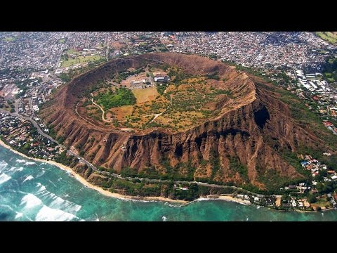 Hiking Diamond Head Crater Hawaii