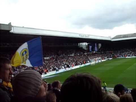 Almost 40,000 Leeds fans sing Marching On Together at Elland Road against Bristol Rovers 8/5/10.