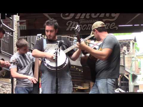 128 BPM Bluegrass Band plays Music for Ole Smoky Whisky Gatlinburg, TN