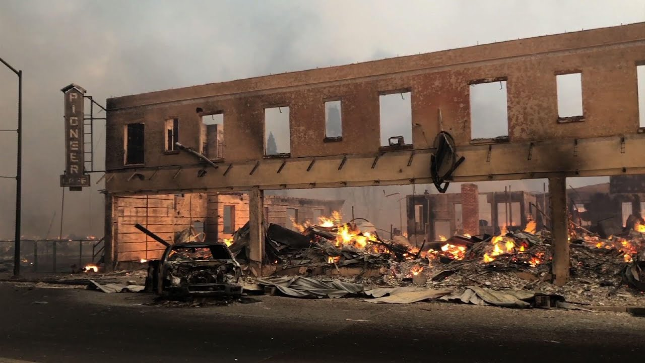 Download Fire tears through Northern California town