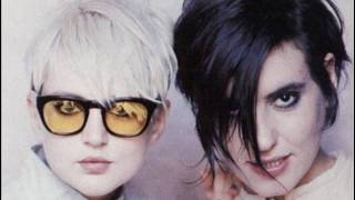 Watch Elastica Unheard Music video