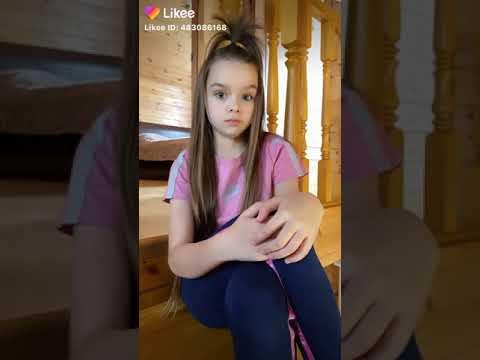 Likee тренд  Video  — Анастасия  актриса кино , юная российская модель.