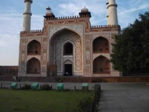 Akbar ka Maqbara (Akbar's Tomb) in Sikandara (Agra)