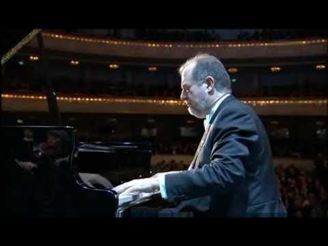 Garrick Ohlsson & Warsaw Philharmonic Orchestra - Piano Concerto No 1 in E minor Op 11 allegro 2010