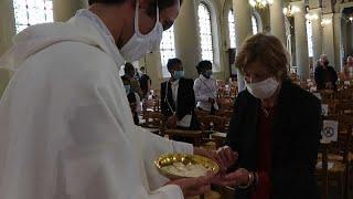 Франция: открытые церкви и присяга мэров