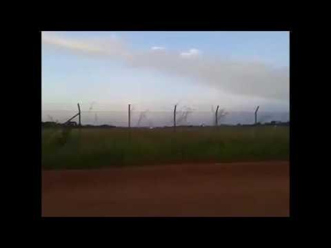 Avião de cargas cai na Colômbia, imagens fortes antes e após a queda!