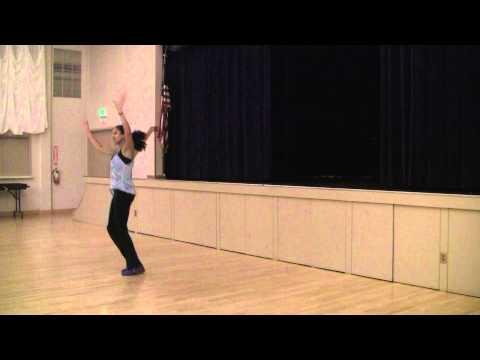 Adeeti Ullal running Saratoga Bollywood Fitness @ Saratoga Hindu Temple Community Center2/3