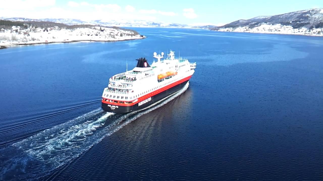 Hurtigruten Polarlys Går Under Gisundbrua Finnsnes Youtube