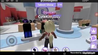 Dance off roblox!!! first video