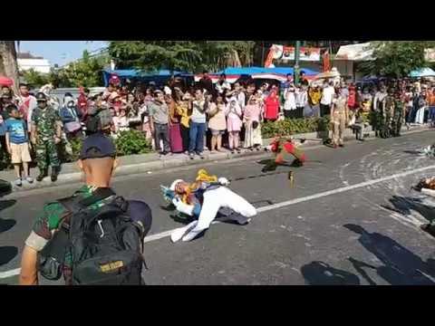 MEMUKAU! ATRAKSI DRUMBAND AAU GITA DIRGANTARA - Pawai Pembangunan Yogyakarta 2018