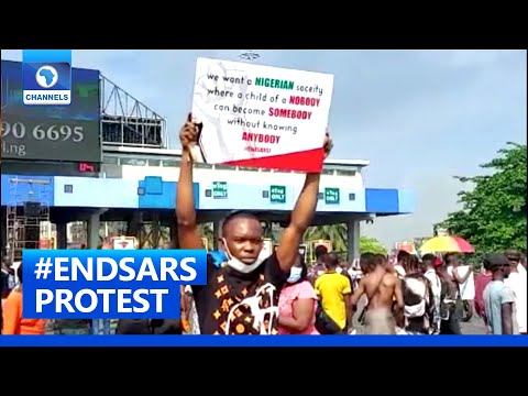 Protesters Gather At Lekki Tollgate For Prayers