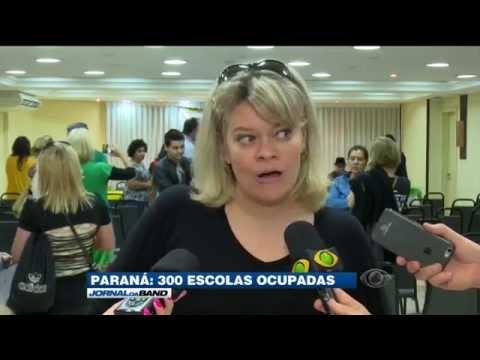 Professores protestam contra a ocupação nas escolas do Paraná