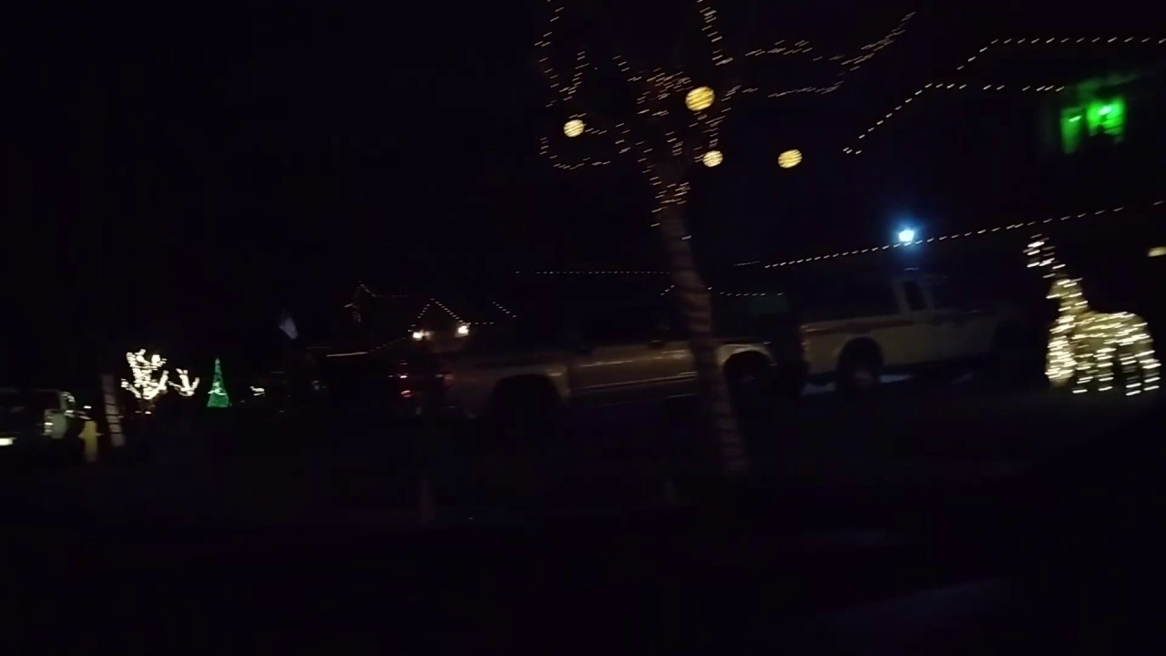 Yucaipa Christmas lights Manning St. - YouTube