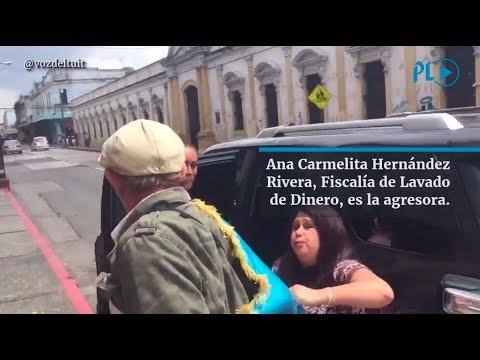 Fiscal del MP agrede a manifestante frente al Congreso | Prensa Libre