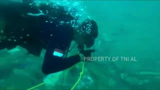 video: Watch: Divers continue underwater search of Indonesia plane wreckage