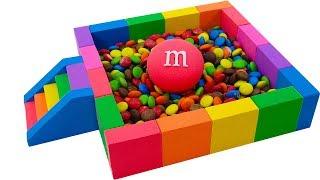 무지개 수영장 사탕과 운동 모래 만들기 | 색깔을 배우…