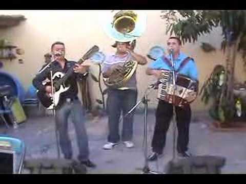 Los alegres del barranco teniente fantasma con tuba 3 19 youtube - Casa de los espiritus alegres ...