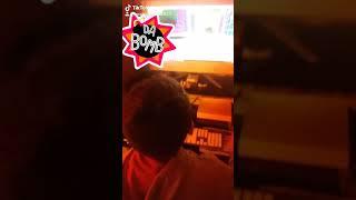Samu che gioca a roblox sul computer
