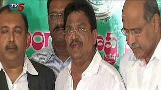 Tollywood Biggies Met with KCR Thanks for Cine City in Hyderabad : TV5 News
