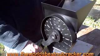 The WORLD'S BEST NUTCRACKER - How to Adjust for Cracking Different Size Nuts.