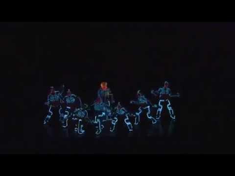 Видео: Шаг вперед 5 Только танец под ультрафиолетом